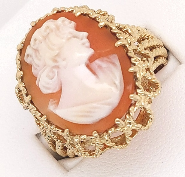 14K Yellow Golf Large Filigree Cameo Ring finger size 9